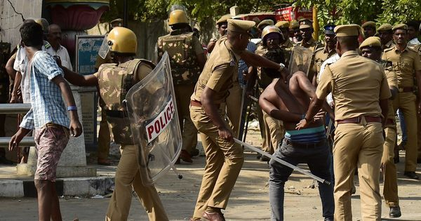 The big news: Police believed to have set fires during jallikattu protests, and 9 other top stories