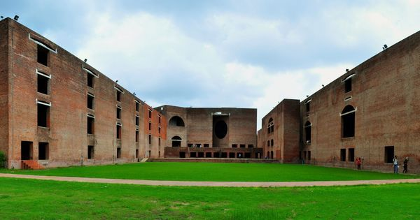 IIMs may be able to set up campuses abroad if HRD Ministry's new Bill gets passed