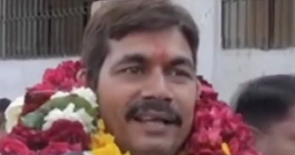 Watch: This 'honest' candidate in UP wants to win elections to 'fool people and earn money'