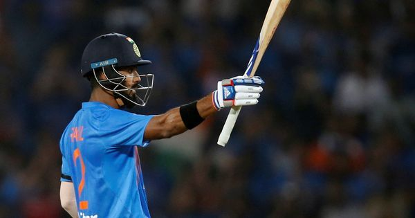 KL Rahul scores 71, but England keep India down to 144/8 in second T20I