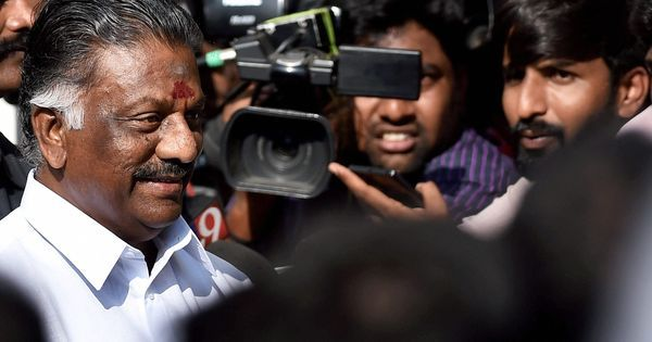 Tamil Nadu: Panneerselvam likely to seek a floor test when he meets governor