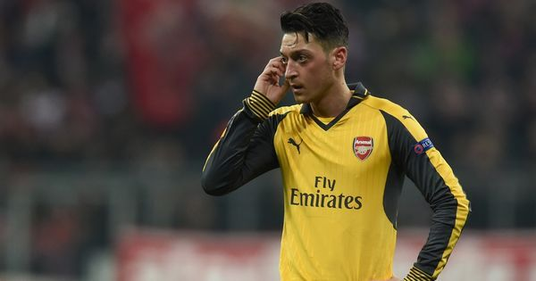 Mesut Ozil 'comfortable' at Arsenal, but will take a decision on future soon