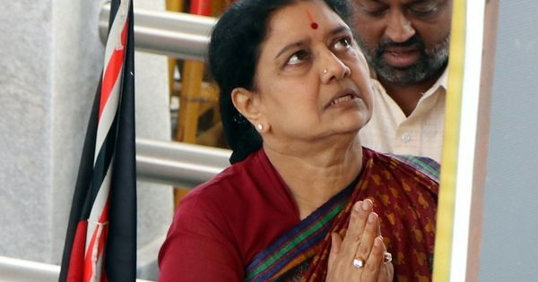 Income Tax officials raid Sasikala's properties in Chennai