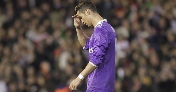 The La Liga title race blew open after Valencia stunned Real Madrid 2-1