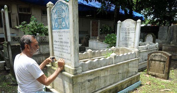 Video: Meet Abdul Yassin, Mumbai's only engraver of Jewish tombstones