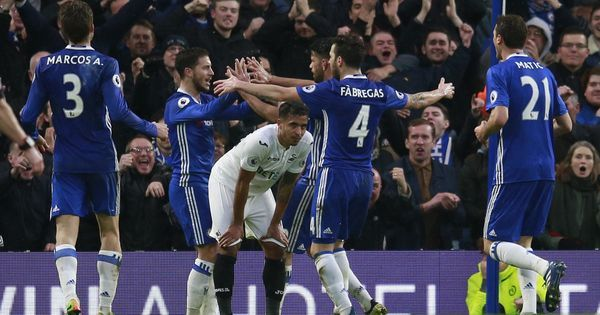 Premier League: Chelsea break Swansea's resistance to win 3-1 and take a 11-point lead in the table