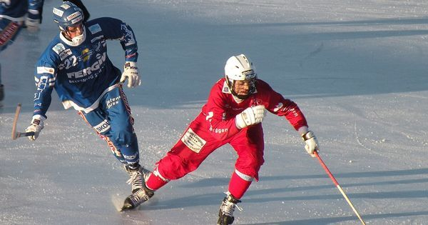 Two teams score 20 own goals in bizarre Russian hockey match