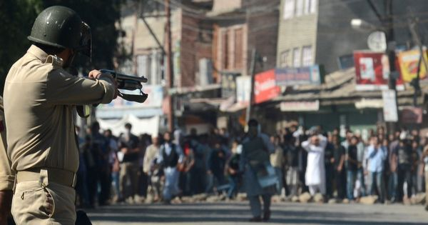 Editorial from Kashmir Observer: By giving more guns to the CRPF, the state will alienate Kashmiris