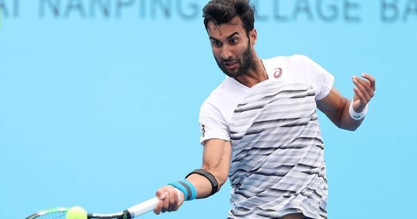 Yuki Bhambri stretched by Peter Polansky in opener of Aegon Challenger