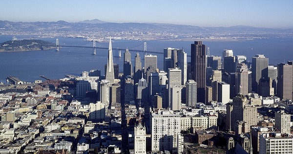 California has just 3% of India's population, but 125% of its GDP