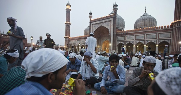 Why are Indian Muslims using the Arabic word 'Ramadan' instead of the traditional 'Ramzan'?