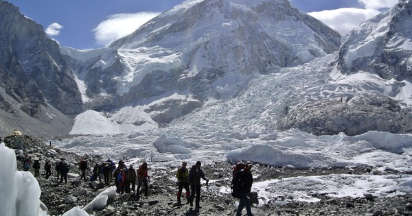 Climbers will place trash bins, pick up garbage along Mount Everest during this season's expeditions