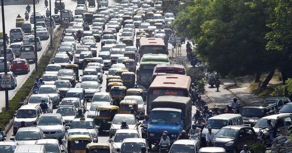 Why Paris can keep half its cars off the streets but Mumbai can't