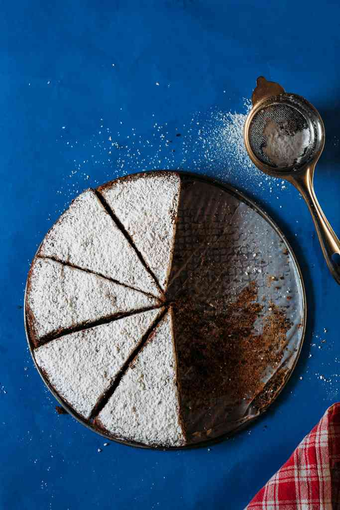 Poppy seed cake. Photo credit: Beatrix Basu.