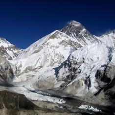 Mount Everest glaciers melting, says report