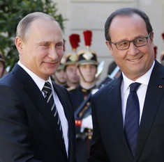 French president visits Russia to seek support for anti-IS coalition