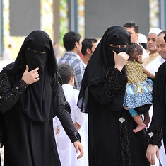 Voting begins in first Saudi elections open to women