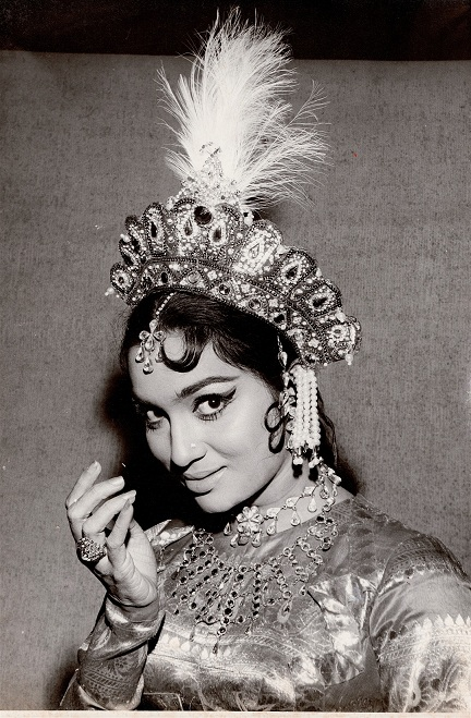 Asha Parekh. Courtesy Asha Parekh The Hit Girl/Om Books International.