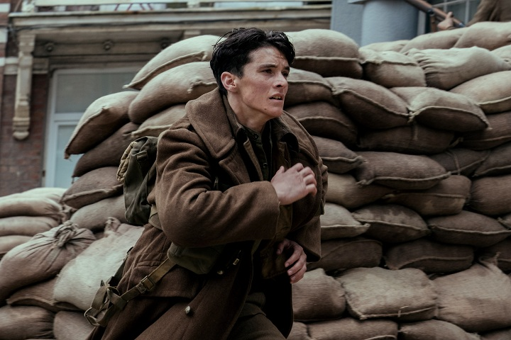 Fionn Whitehead in Dunkirk. Image credit: Warner Bros.