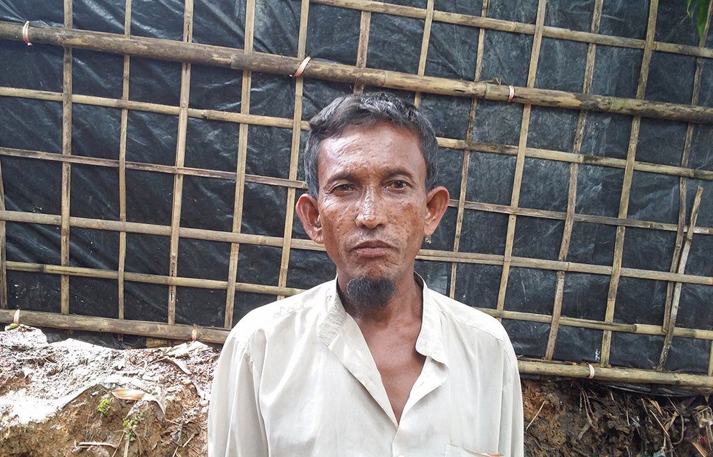 Hashu Mia, a Muslim refugee from Fakirabazar village. Photo credit: Mahadi Al Hasnat/Dhaka Tribune