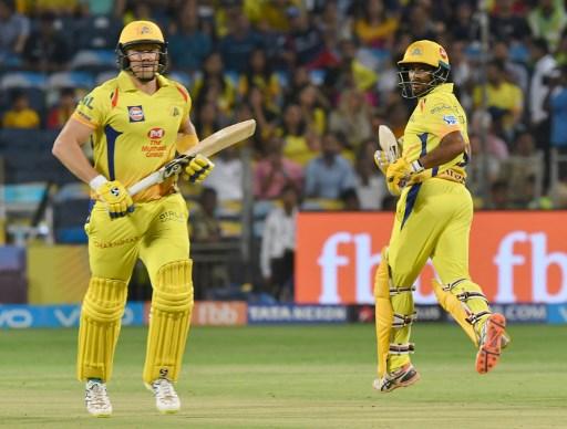 चेन्नई के दोनों सलामी बल्लेबाज शेन वाटसन और अंबाती रायडू जबर्दस्त फॉर्म में हैं. दोनों ही इस टूर्नामेंट में शतक जड़ चुके हैं | फोटो : एएफपी
