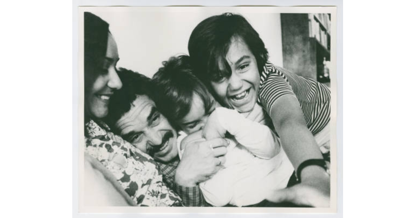 Gabriel Garcia Marquez with Mercedes Barcha and their sons, Gonzalo and Rodrigo, undated (Harry Ransom Center at The University of Texas, Austin)