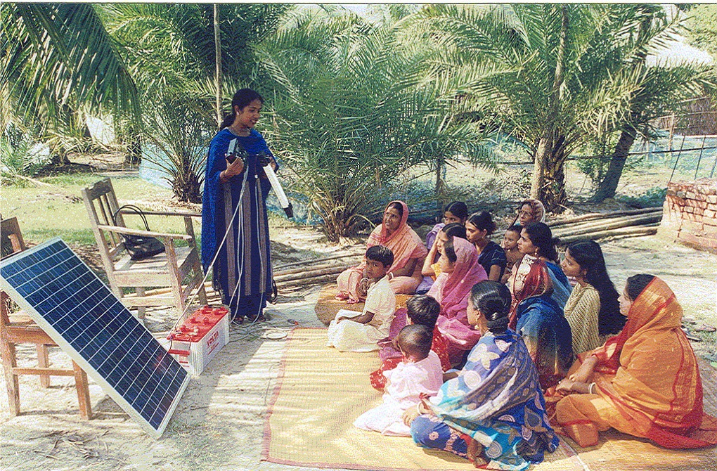 Bangladeshi women receiving training on using a solar home system in Bangladesh. Credit: ILO in Asia and the Pacific