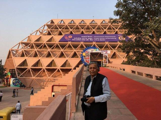 Raj Rewal in front of the Hall of Nations. Photo courtesy: Arun Rewal