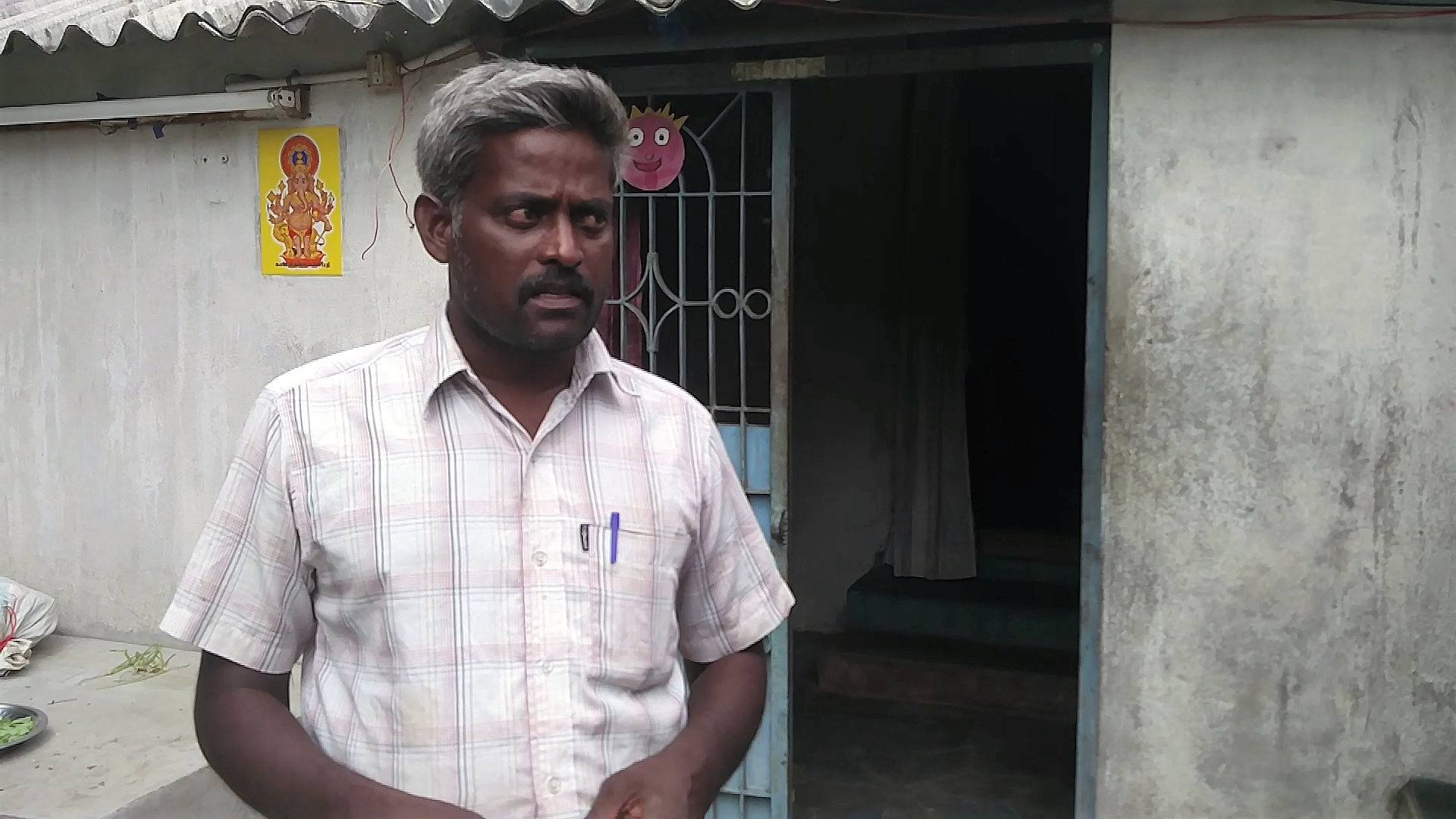 Devarajan, a farmer in Perambalur, survived pesticide poisoning. Credit: Vinita Govindarajan