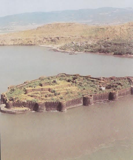 The Janjira fort lies off the coast of Maharashtra.