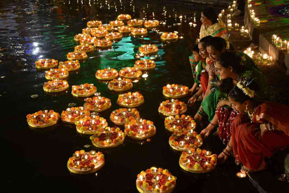 Residents of Malabar Hill celebrate Tripurari Pournima at the Banganga tank. Tripurari Pournima, celebrated on full moon day or the 15th lunar day of the Hindu month of Kartik, is also known as Dev Diwali or the festival of the god of lights. Photo credit: Deepak Salvi/Livephoto.