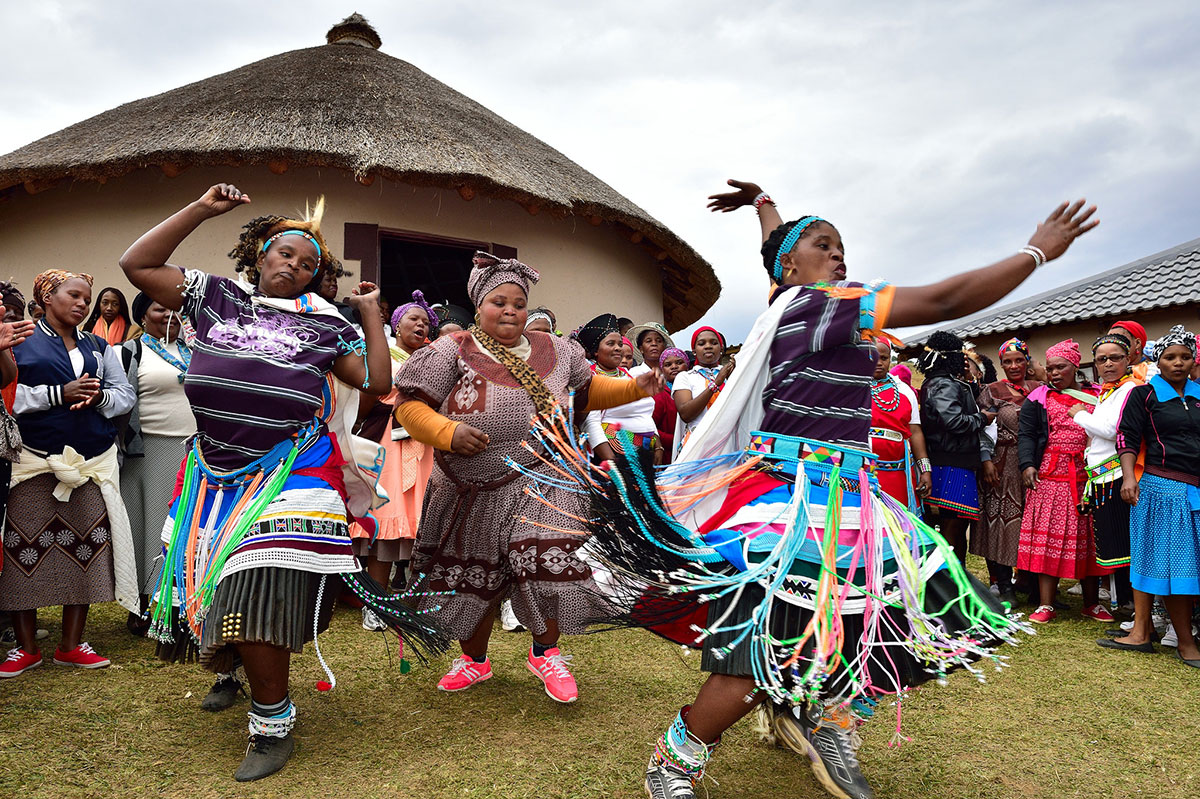 Zulu people are more likely to think of themselves in terms of social relationships. Photo credit: South African Tourism/Flickr