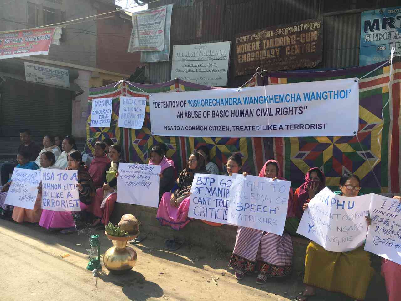 Protestors demand the release of arrested journalist Kishorechandra Wangkhem.