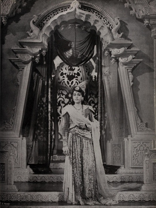 Veena as Bahar in the shelved Mughal-e-Azam.