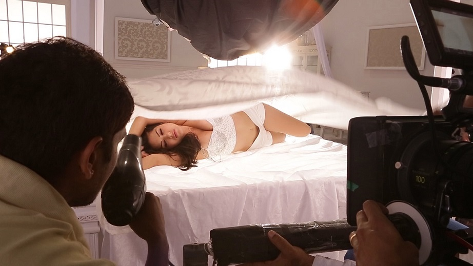 Sunny Leone filming the song 'Pink Lips' from 'Hate Story 2'. Courtesy Dilip Mehta.