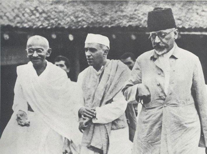 Mahatma Gandhi, Jawaharlal Nehru and Maulana Abul Kalam Azad in 1935. (Photo credit: Wikimedia Commons).