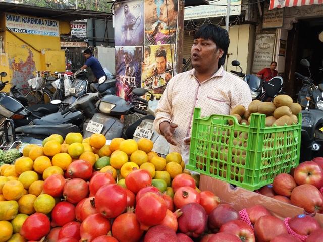 Ishrat Khan made very few sales on Wednesday morning.