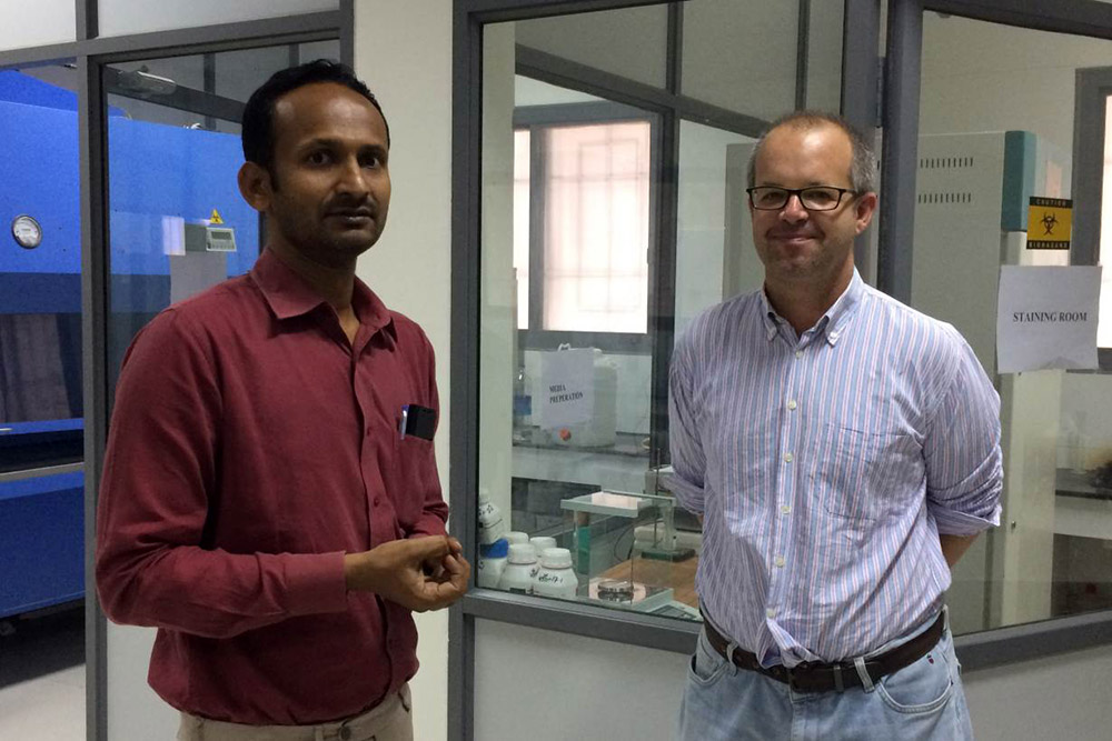 Raghu Prakash Reddy, left, and Gerardo Álvarez-Uría at the Hospital of Infectious Diseases in Bathalapalli. Photo credit: Anuradha Nagaraj