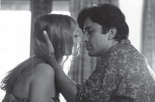 Jennifer Kendal and Shashi Kapoor in Bombay Talkie (1970). Courtesy Merchant Ivory Productions.