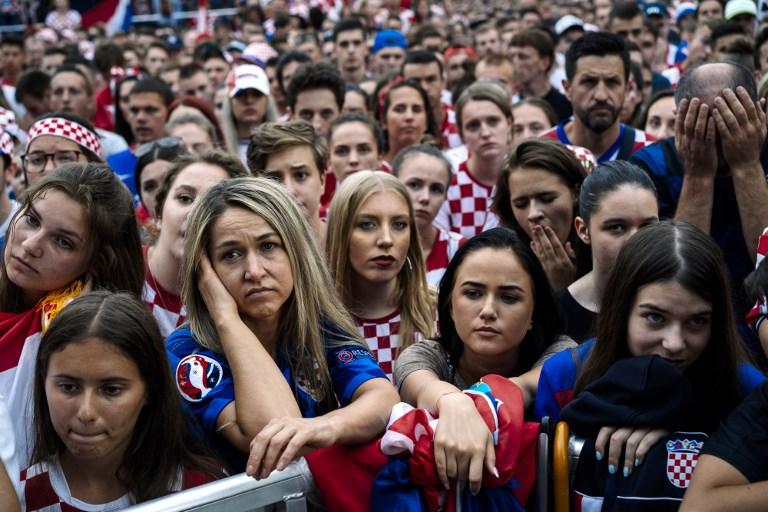 फाइनल में हार के बाद उदास क्रोएशिया के समर्थक। एएफपी