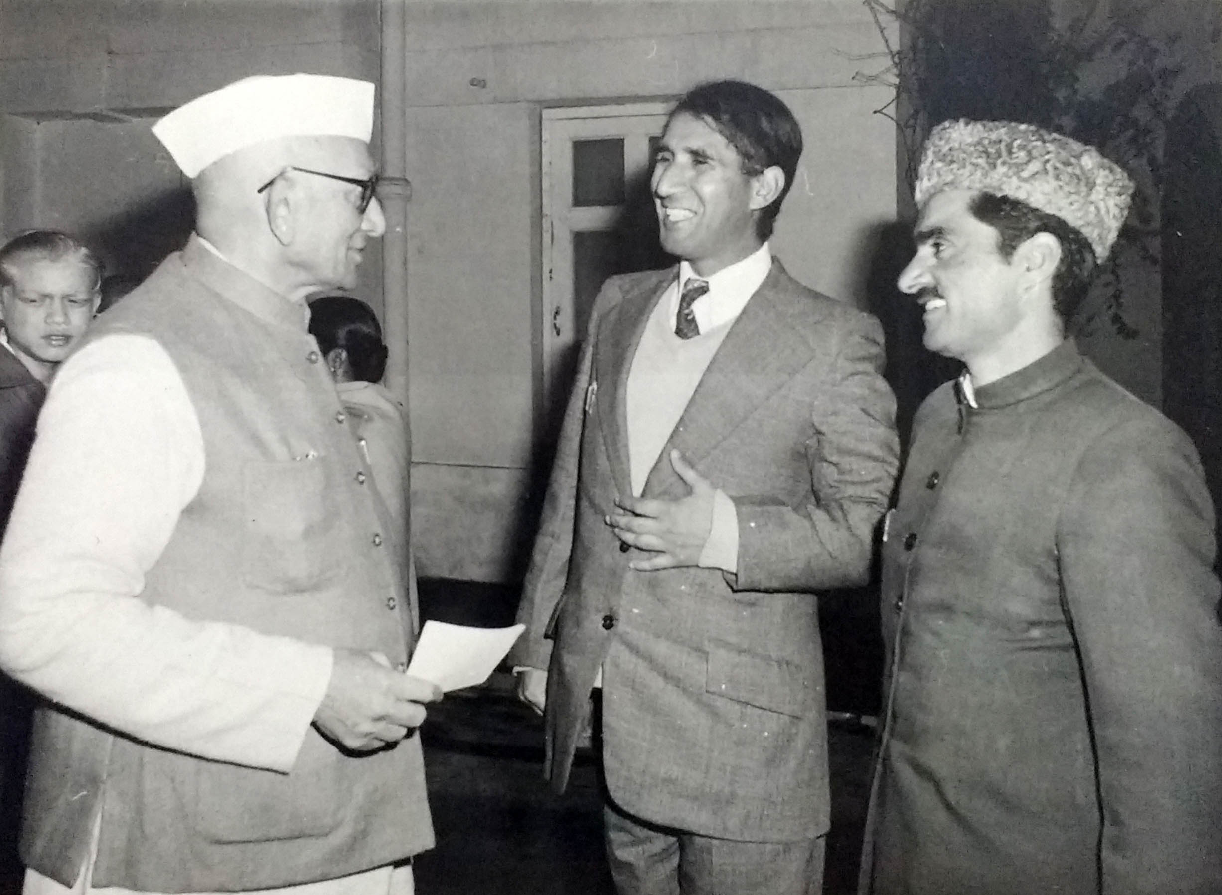 Abdul Rashid Kabuli (centre) with Prime Minister Morarji Desai. (Photo courtesy: Abdul Rashid Kabuli).