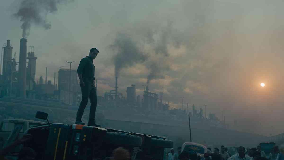 Siddharth in Leila (2019). Courtesy Netflix.