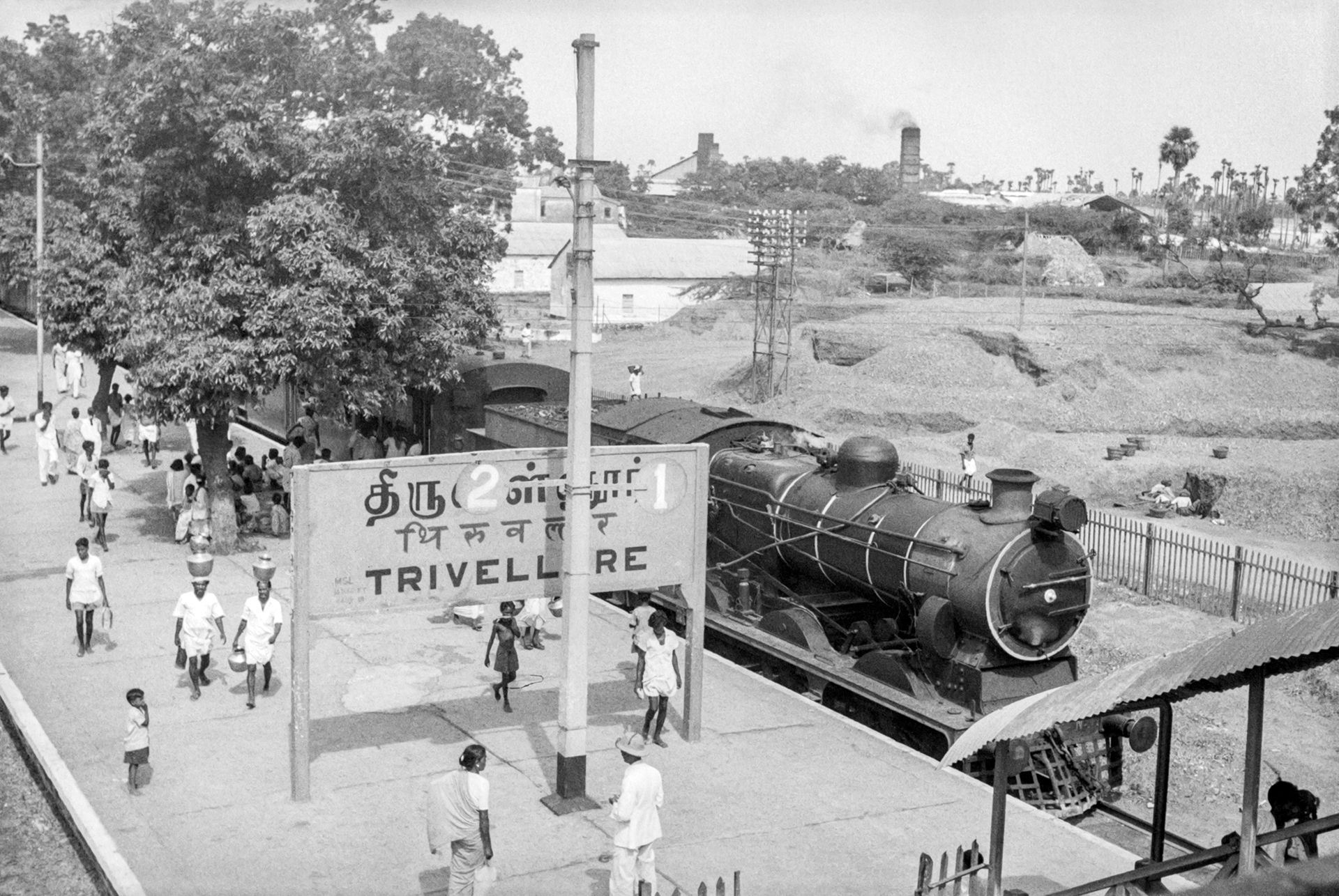 Steam loco at Trivellore (Tiruvallur) in September 1965. Credit: Ian Manning and Poochi Venkat