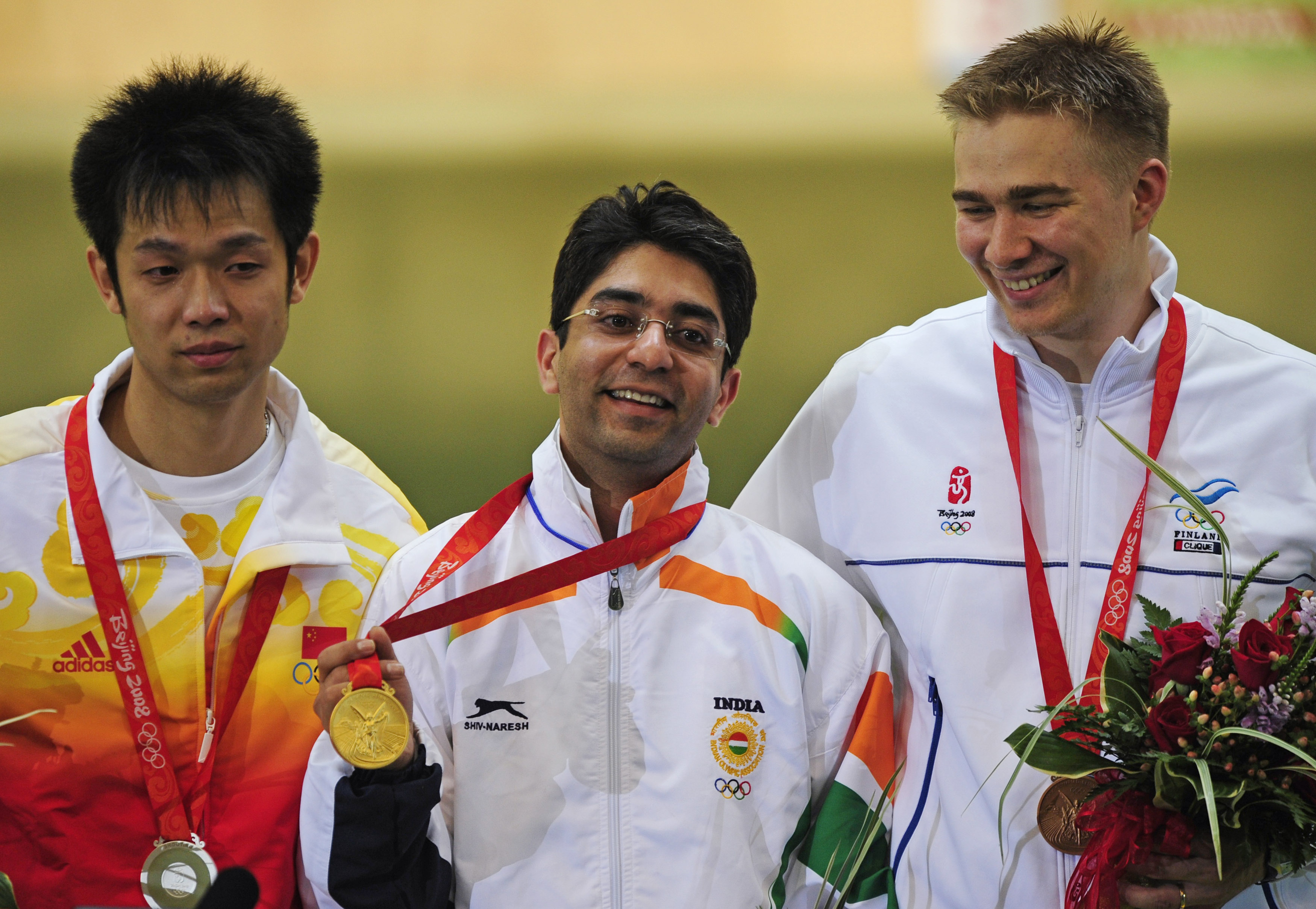 Abhinav Bindra with his Olympic gold medal. Image Credit: Desmond Boylan / Reuters