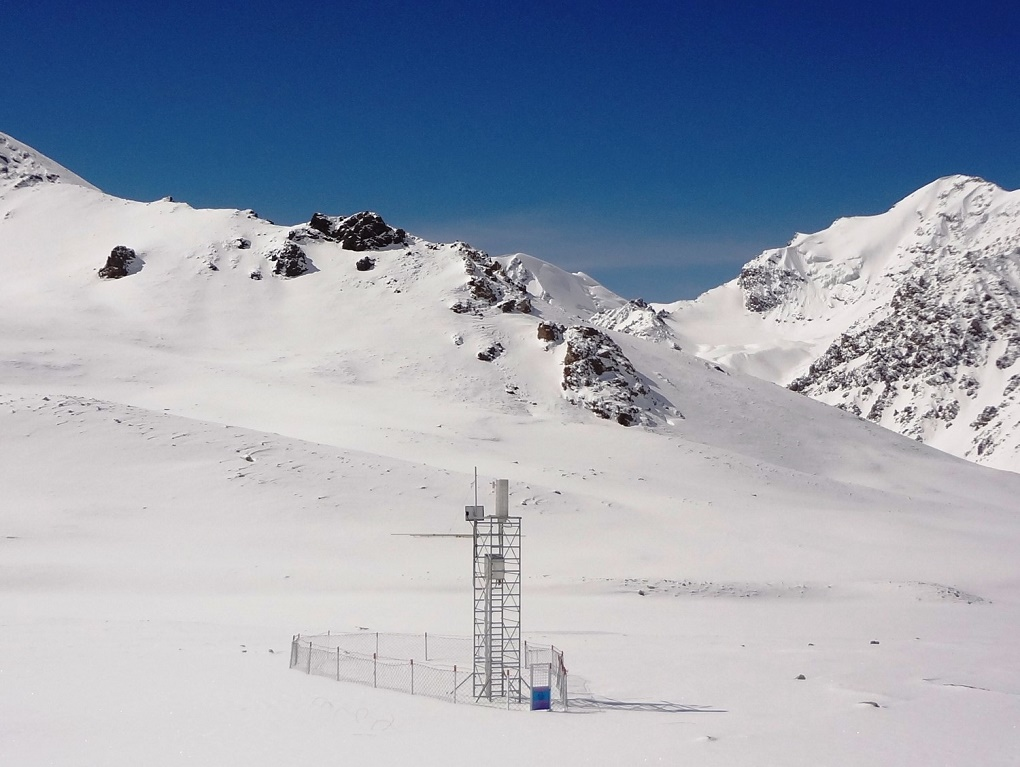 Highest climate monitoring station in Pakistan at Khunjerab at 4,750 metres above sea level. Courtesy: WAPDA