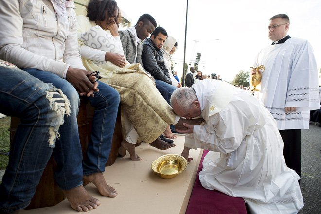 Pope Francis has through a papal decree encouraged churches to include women and people of other faiths in the washing of the feet ritual on Maundy Thursday. (Image credit: Reuters)