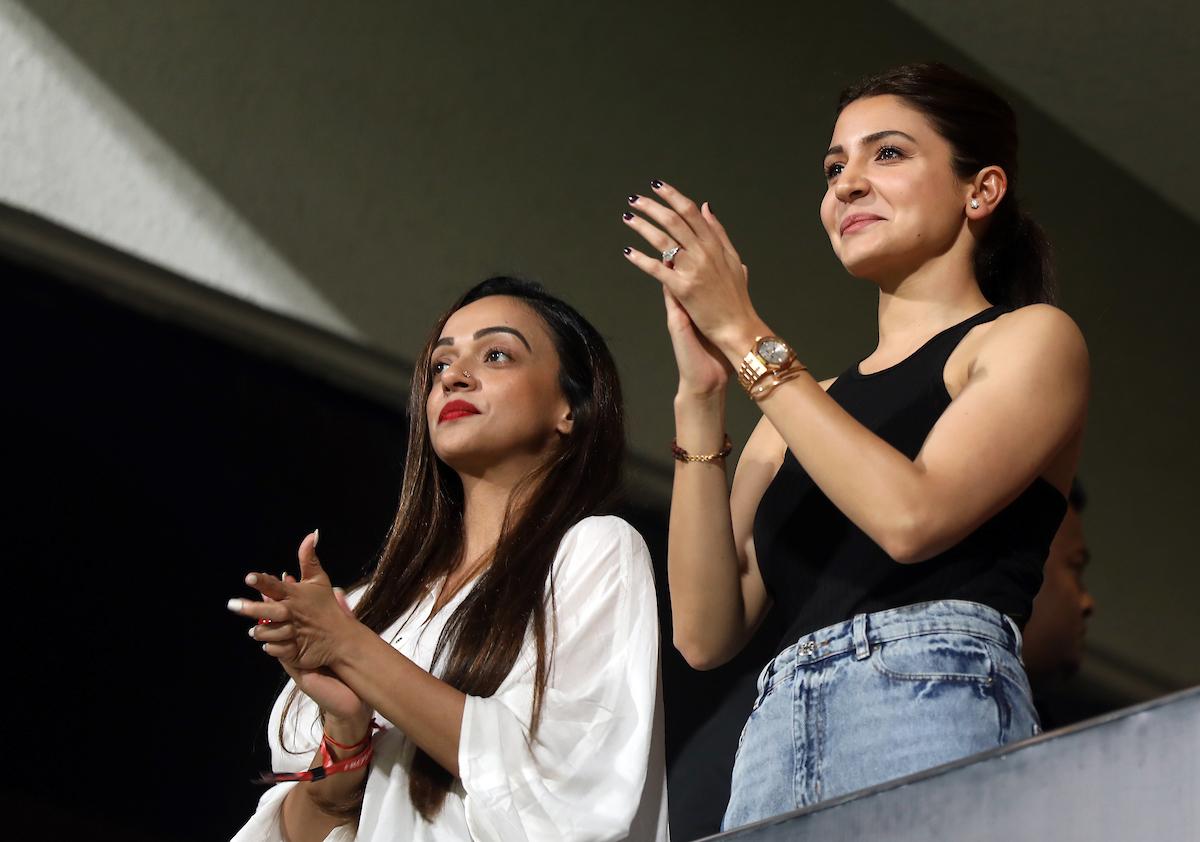 Image courtesy: Virat Kohli's wife Anushka Sharma cheering for her home side|Image courtesy: Sandeep Shetty/SPORTZPICS