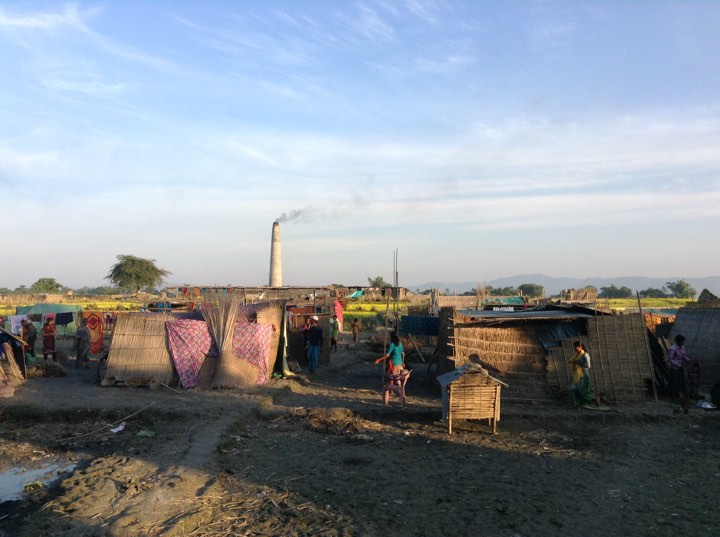 The evicted families living in makeshift houses. (Photo credit: Arunabh Saikia).