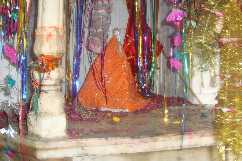 Samadhi of Baba Ram Thaman. Image credit: Haroon Khalid