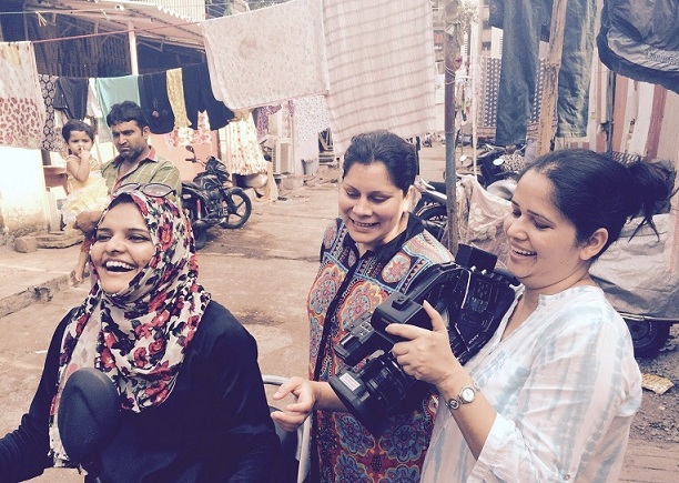 Shazia Javed (centre) during the shoot of 3 Seconds Divorce.